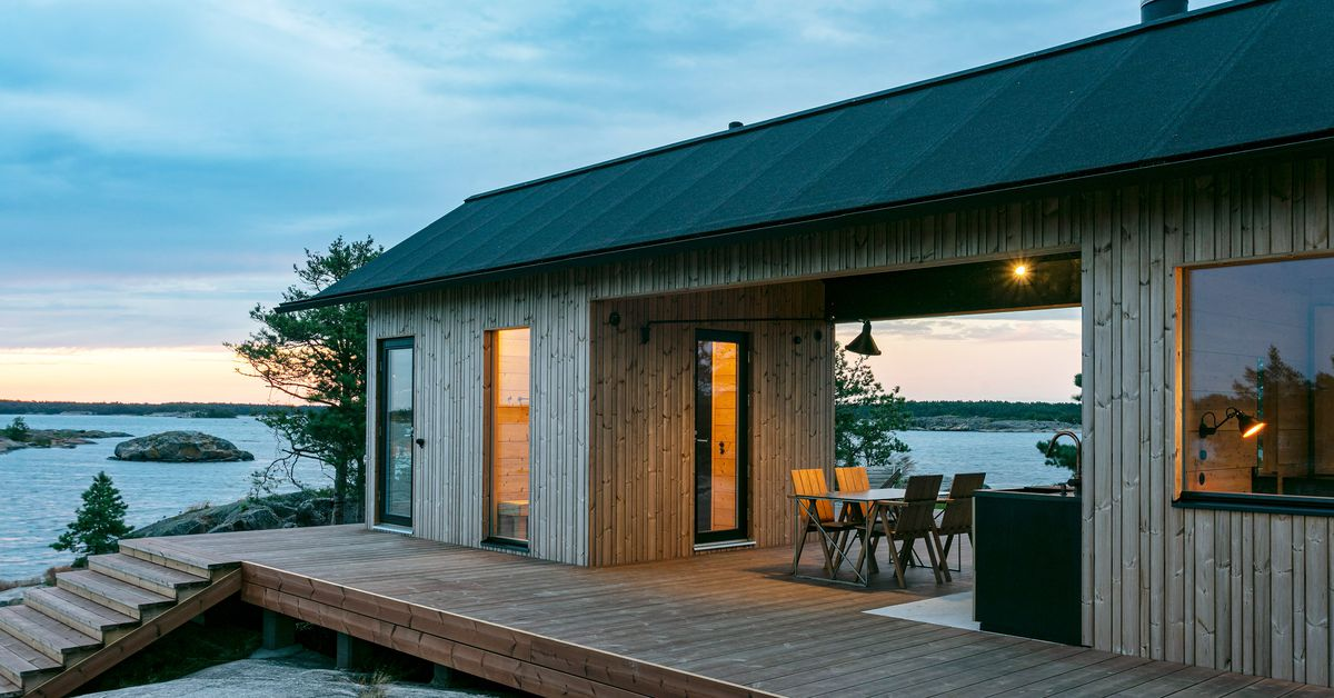 Modern seaside cabins go completely off the grid