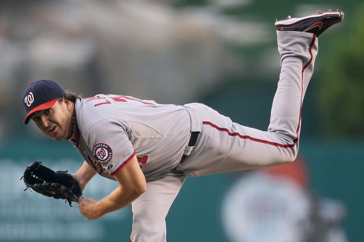 John Lannan was 2 for 3 with a HR last night and he earned the win in the Washington Nationals 7-2 victory over the Los Angeles Dodgers. (Photo by Jeff Gross/Getty Images)