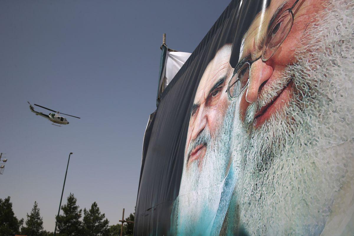 Khamenei khomeini