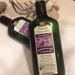 """Organic and natural shampoos have different personalities, so it's always fun to try a variety of formulas on the market. My latest infatuation is from <a href=""""http://www.avalonorganics.com""""><b>Avalon Organics</b></a>. It has the ease of a natural lather"""