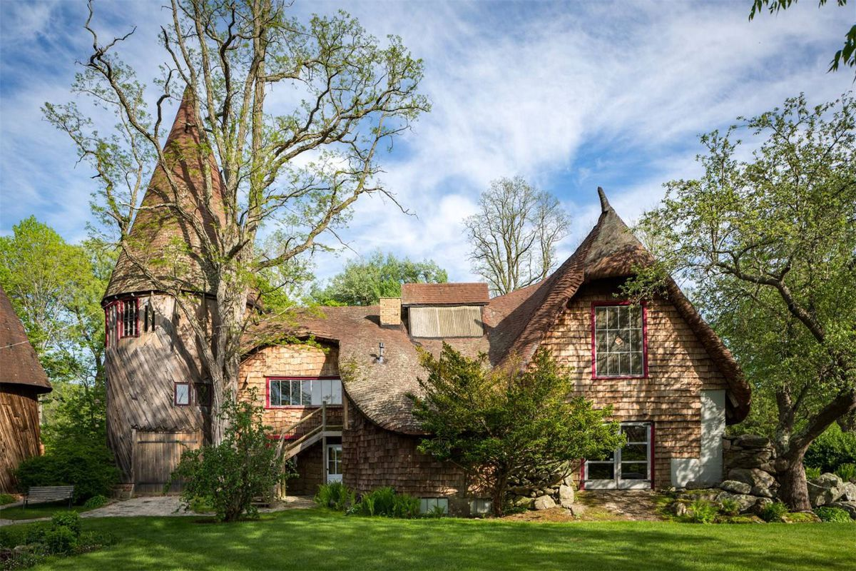 enchanting gingerbread house estate wants 2 2m curbed