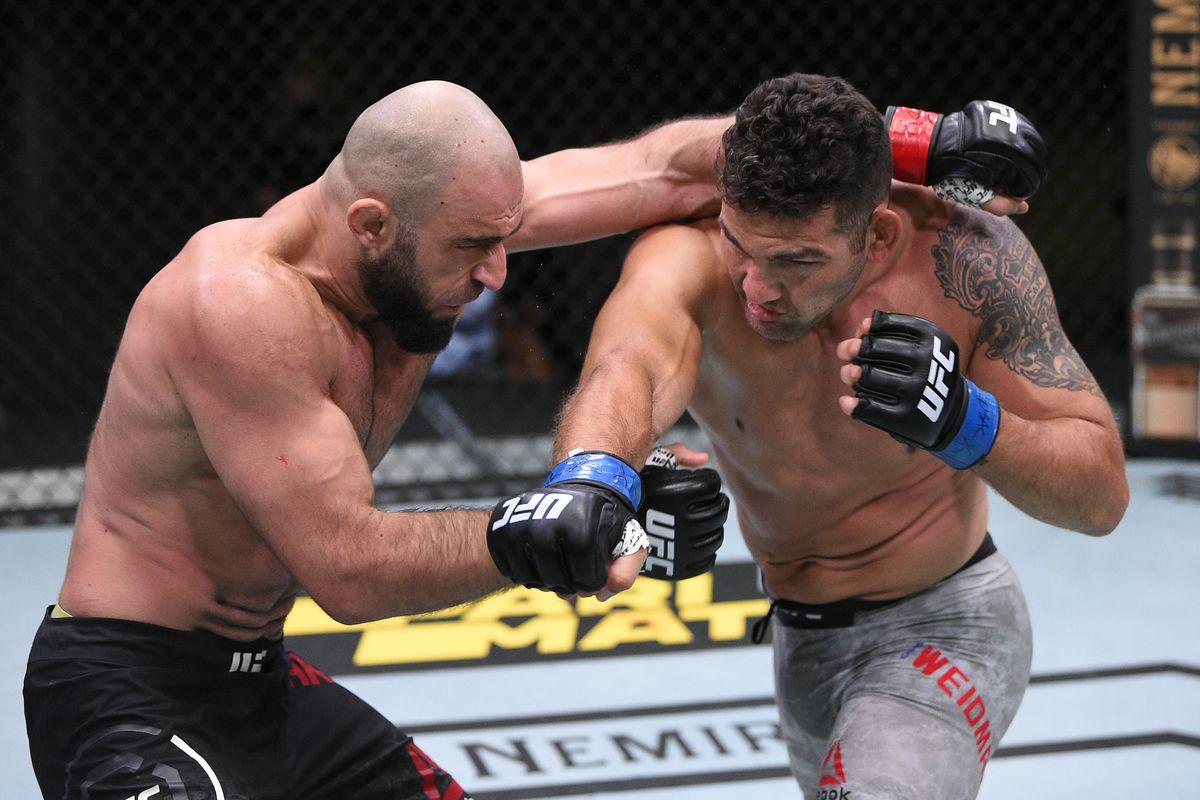 UFC Vegas 6 results: Chris Weidman rallies, wrestles Omari ...