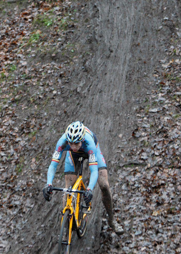 Van Aert ahead