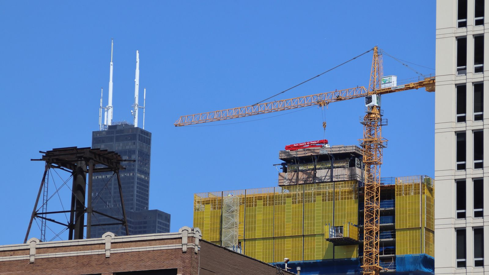 Taking a look at high-rise construction in Chicago's South Loop - Curbed Chicago