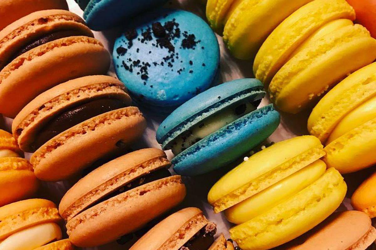 multi colored macaron cookies