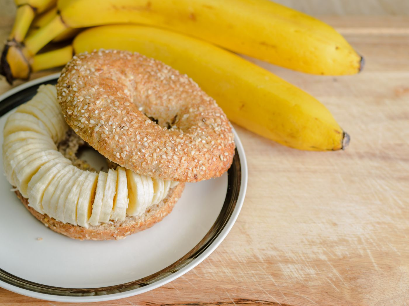 St Louis Vertically Slices Its Bagels Like Bread Eater
