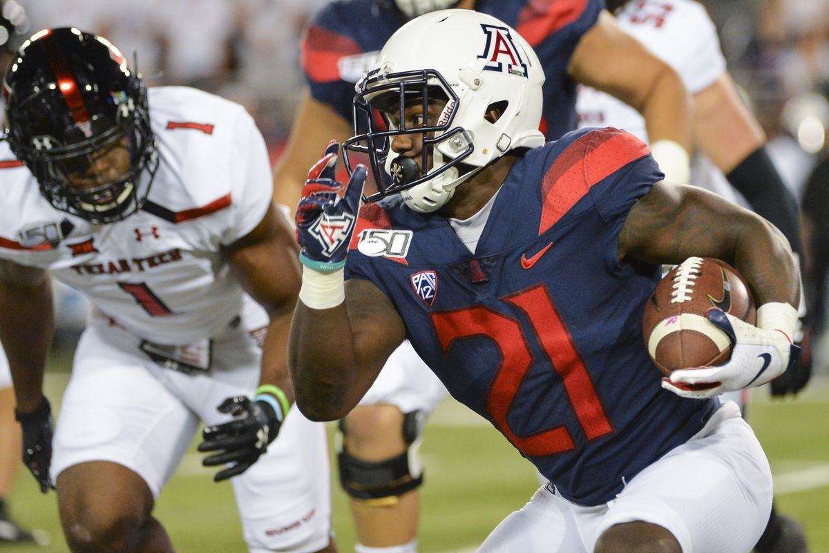 2020 Nfl Draft Arizona Wildcats Running Back J J Taylor Signs With New England Patriots As Undrafted Free Agent Arizona Desert Swarm