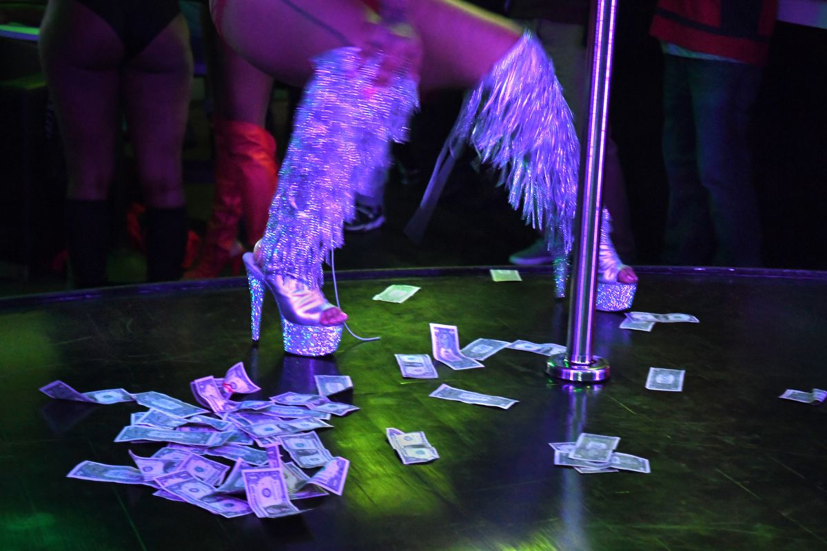 Nigerian Couple Set Internet Agog As Strippers Storm The Wedding Reception To Entertain GuestsIn order for the wedding reception to be entertained, look quite different and to wow people, the couple took it to another level by inviting the strippers to entertain the guest. Watch the video below: