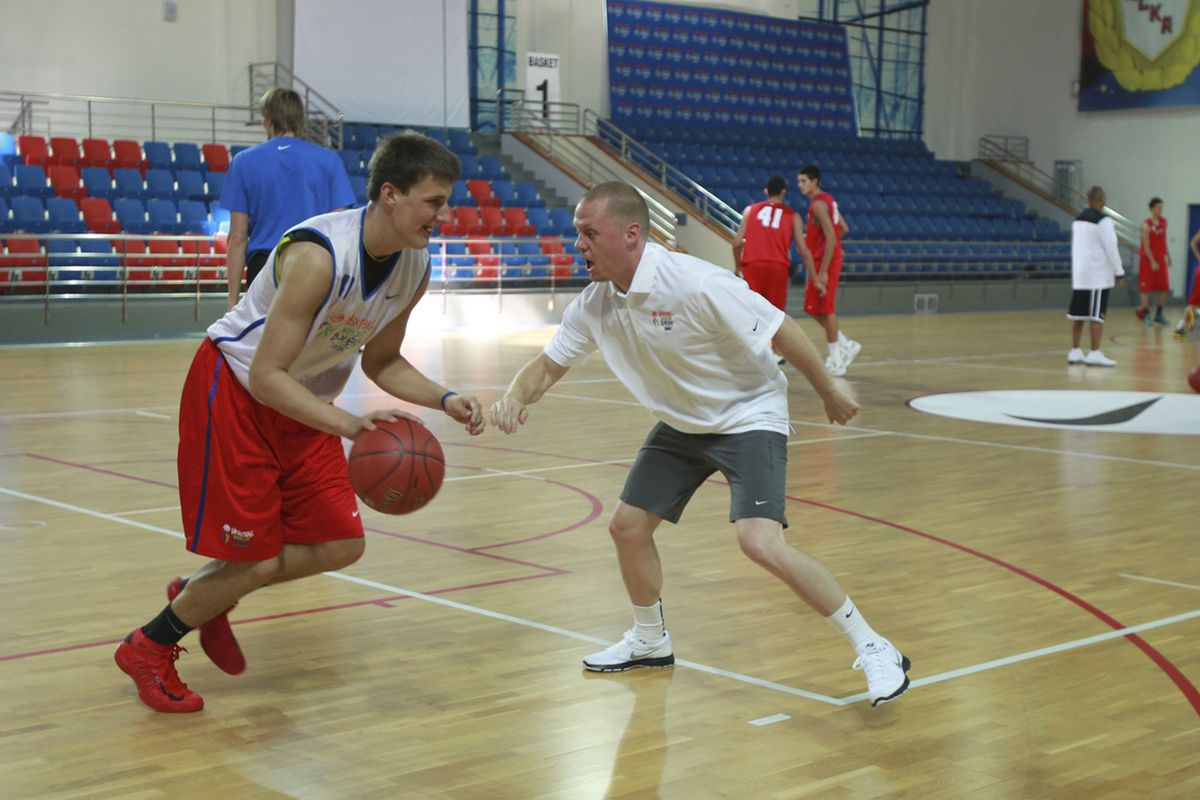 Tim Connelly (right) Assistant General Manager of the New Orleans Hornets working out with the players during BWB Moscow on September 14, 2012 at Sport Complex Igrovoy in Moscow, Russia.