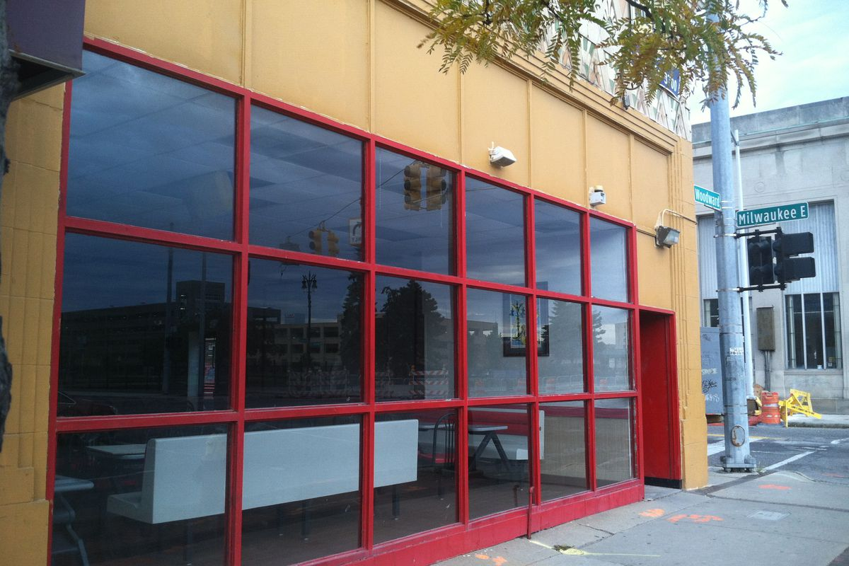 Atomic Chicken, a new quick-service soul food restaurant concept, will fill the former Popeye's Louisiana Kitchen on Woodward Avenue.