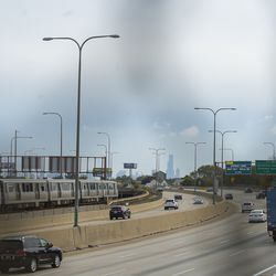 The Kennedy Expressway bisects Avondale.   Tyler LaRiviere/Sun-Times