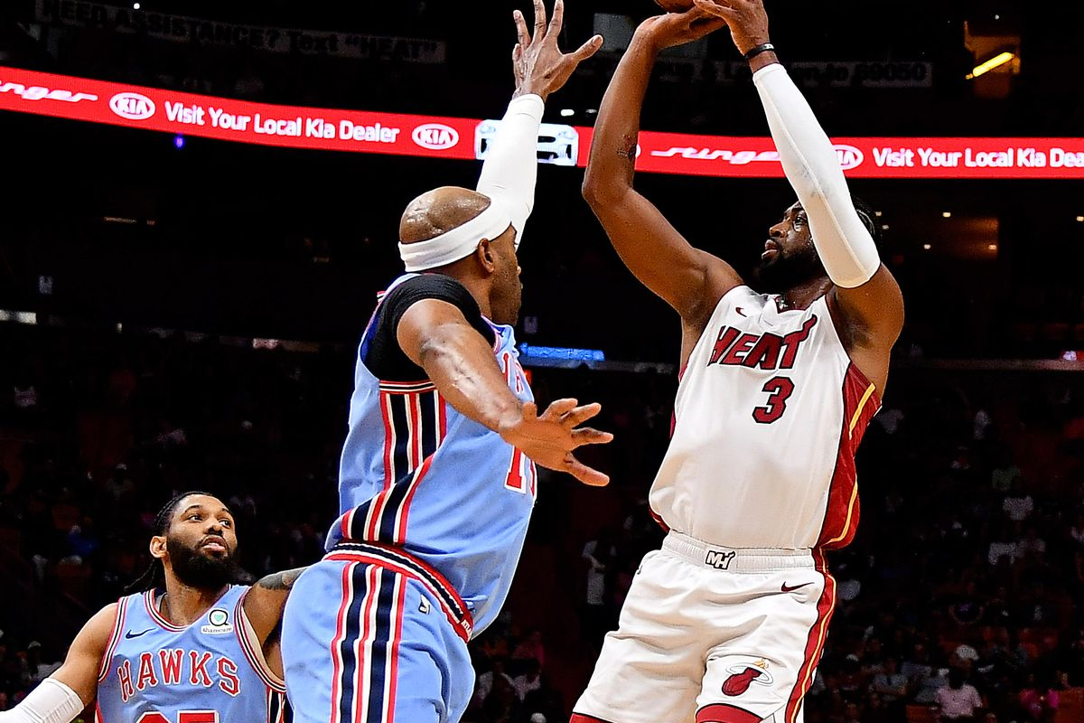 Dwyane Wade outduels Vince Carter Atlanta in Hawks loss to Miami