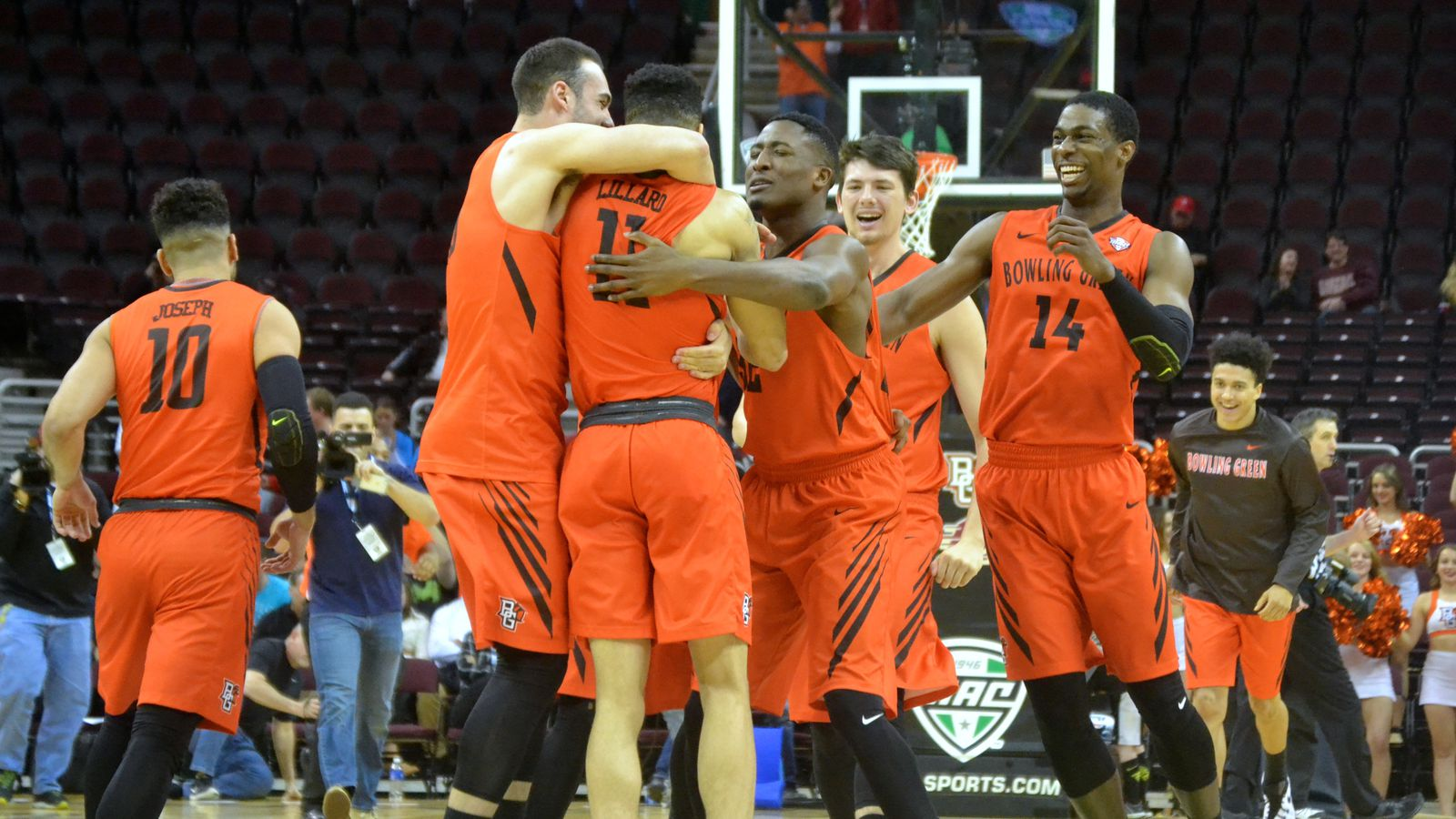 bowling green men The bowling green falcons men's basketball team is the basketball team that represent bowling green state university in bowling green, ohio the school's team currently competes in the.