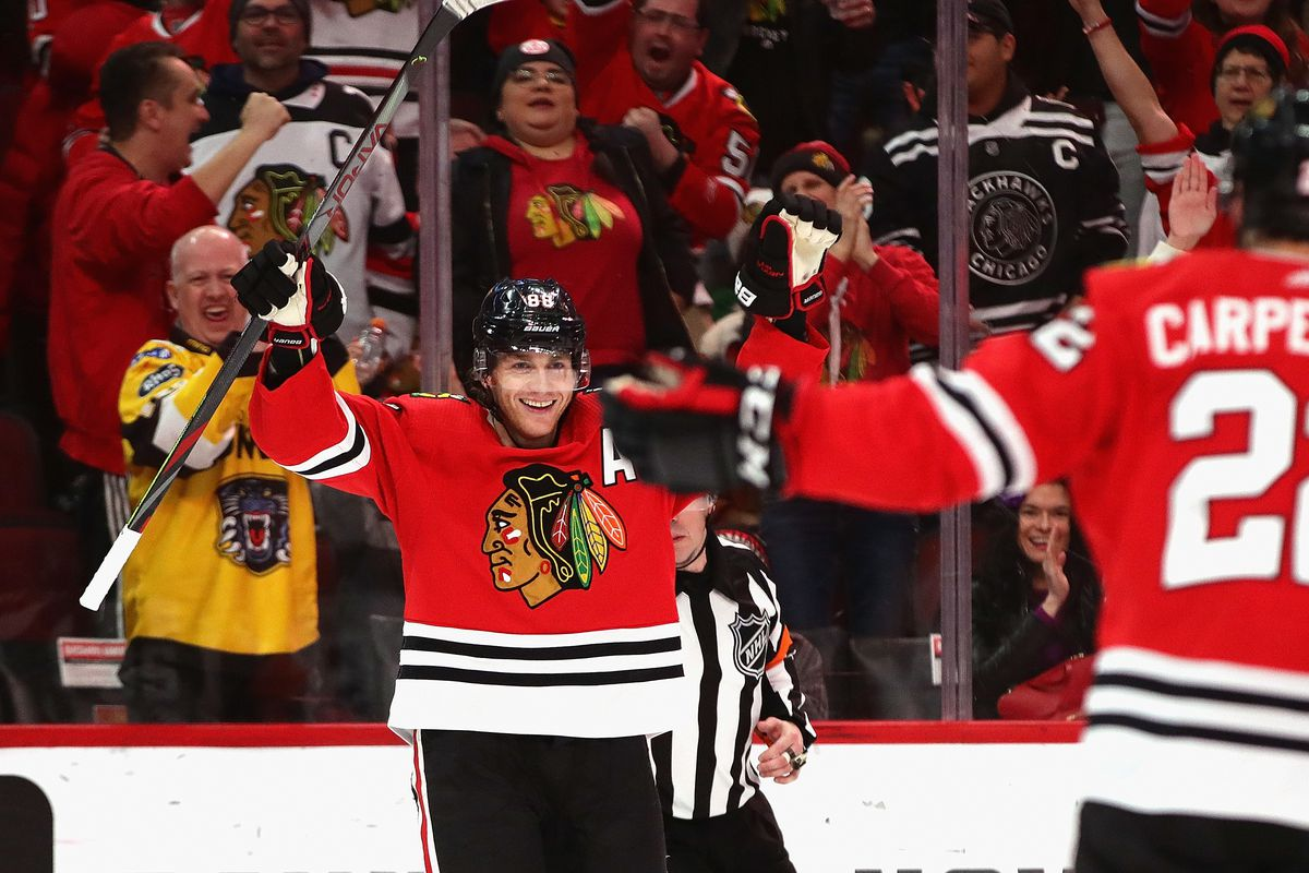 Patrick Kane's 1,000th point provides historic moment in Blackhawks' win over Jets
