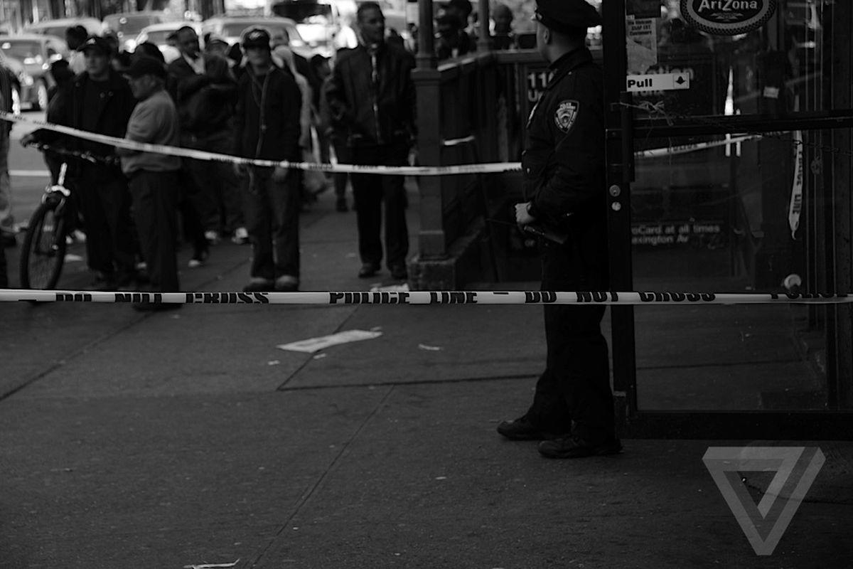 crime-cop-investigation