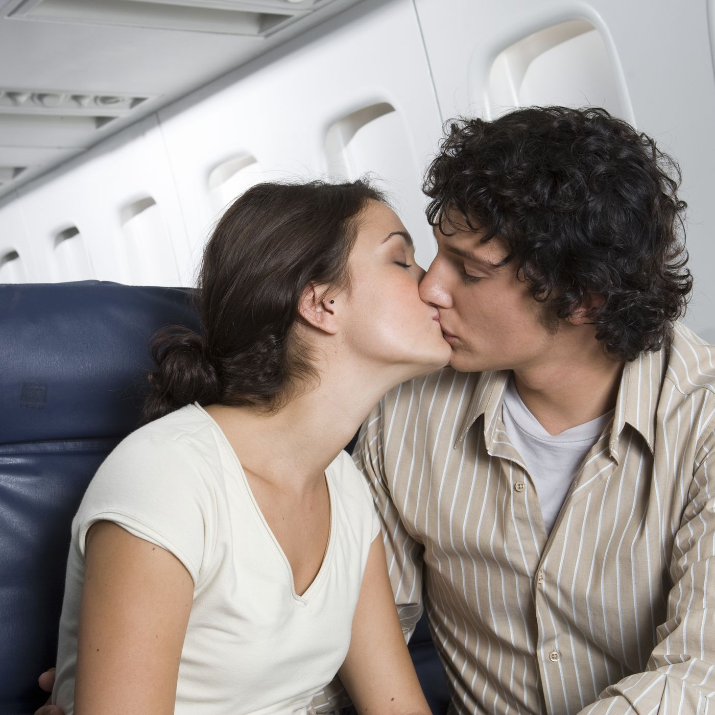 Finding love on a plane: why the myth persists - Vox