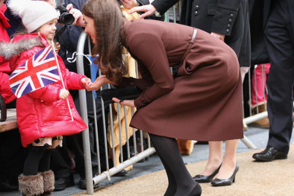 Kate Middleton in her standby black pumps, via Getty