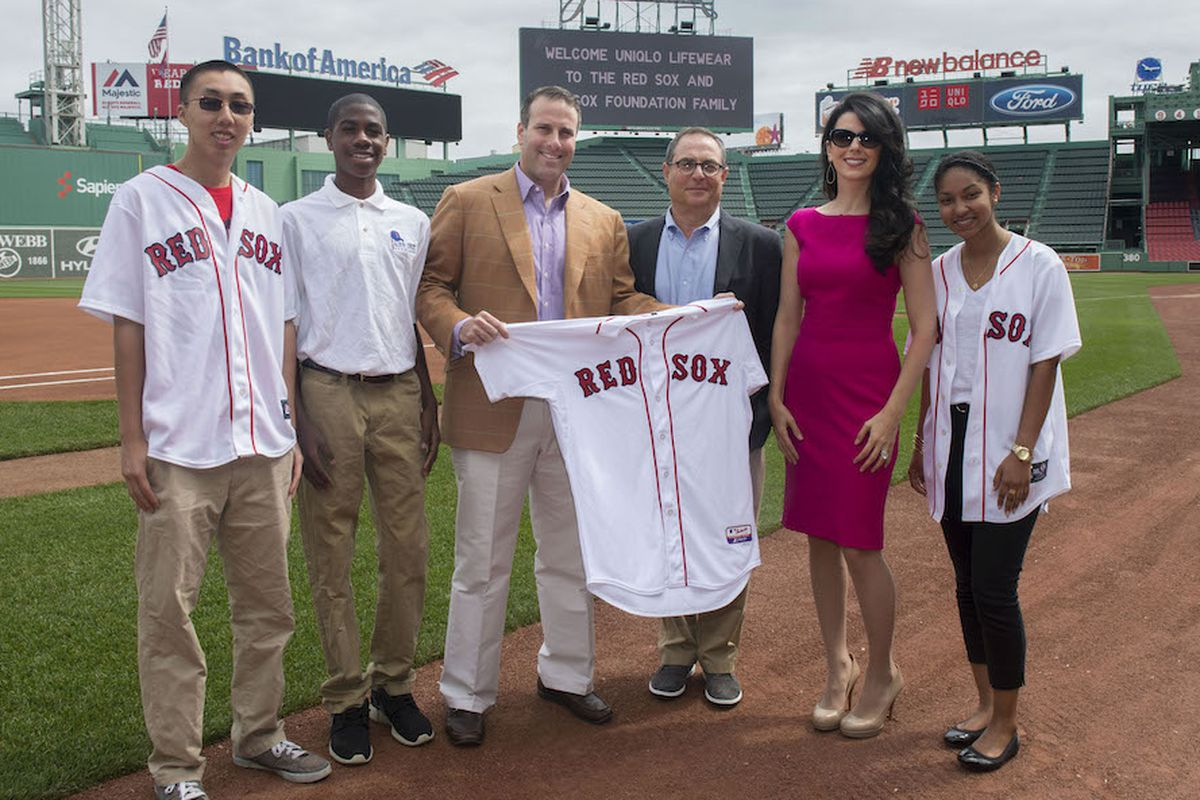 Red Sox Scholars with Troup Parkinson, Larry Meyer, and Linda Pizzuti Henry; Photo by Billie Weiss/Boston Red Sox, courtesy of Uniqlo