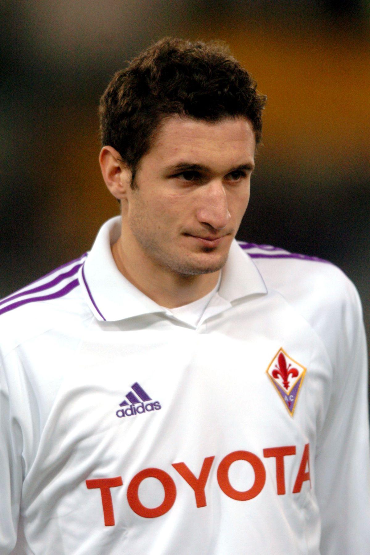 Soccer - Italian Cup - Quarter-Final - First Leg - Roma v Fiorentina - Olympic Stadium