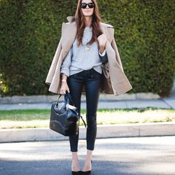 """Samantha of <a href=""""http://www.couldihavethat.com""""target=""""_blank"""">Could I Have That?</a> is wearing <a href=""""http://shop.nordstrom.com/s/ag-jeans-the-motto-coated-ankle-leggings-bsc/3555095?origin=keywordsearch-personalizedsort&contextualcategoryid=2375"""