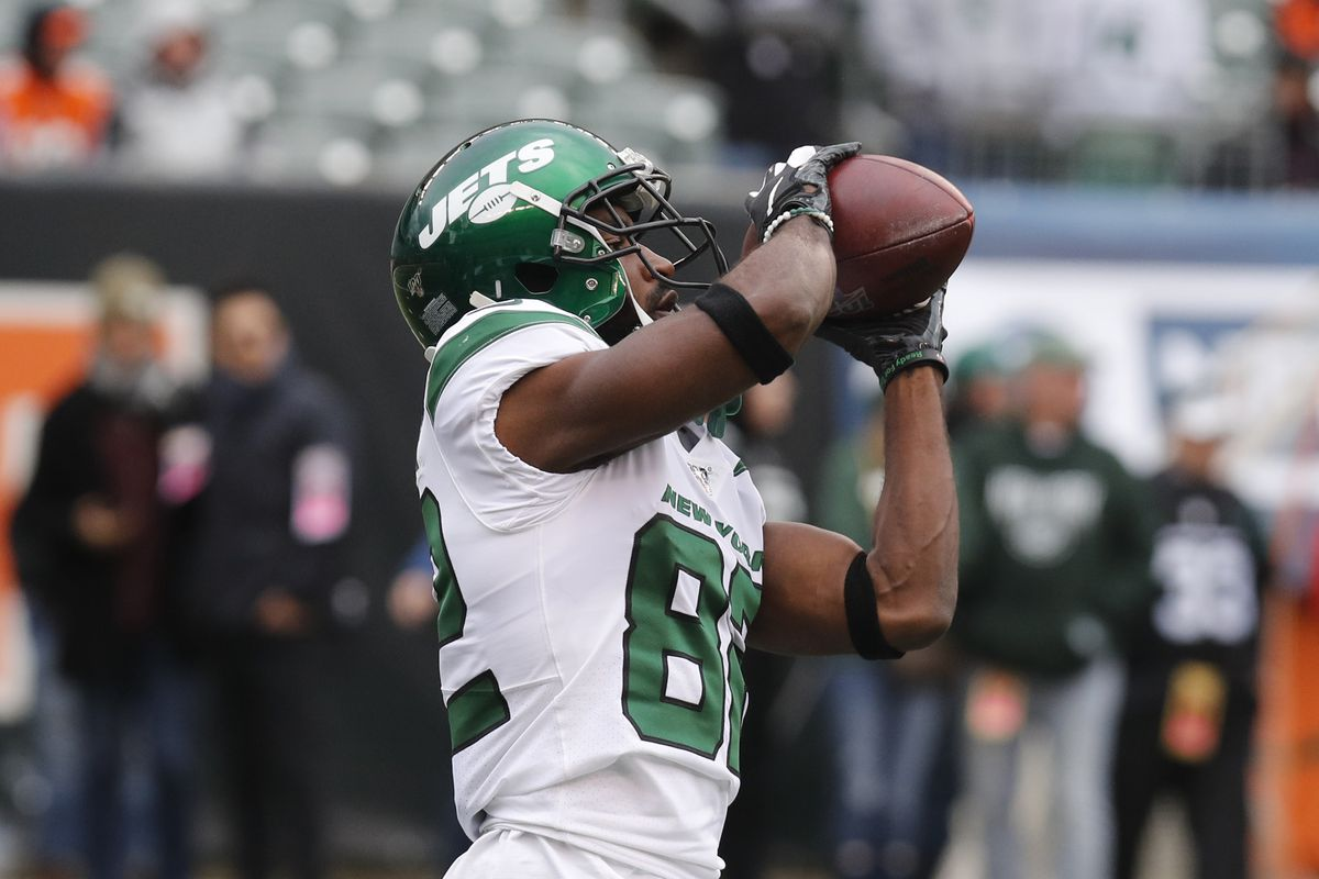 New York Jets wide receiver Jamison Crowder warms up prior to a game against the Cincinnati Bengals at Paul Brown Stadium.