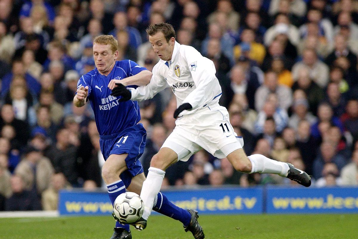 Lee Bowyer of Leeds United and Mark Pembridge of Everton