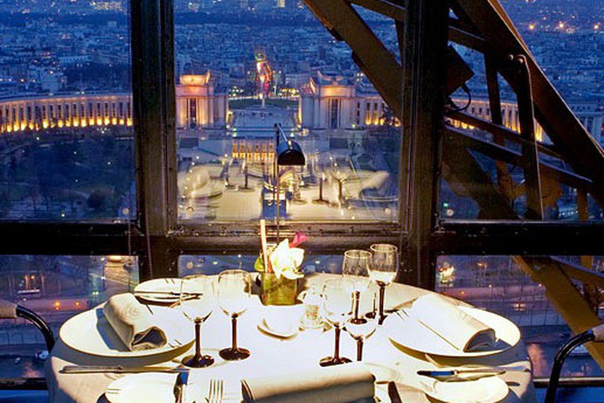 Le Jules Verne/La Tour Eiffel, Paris, not Vegas