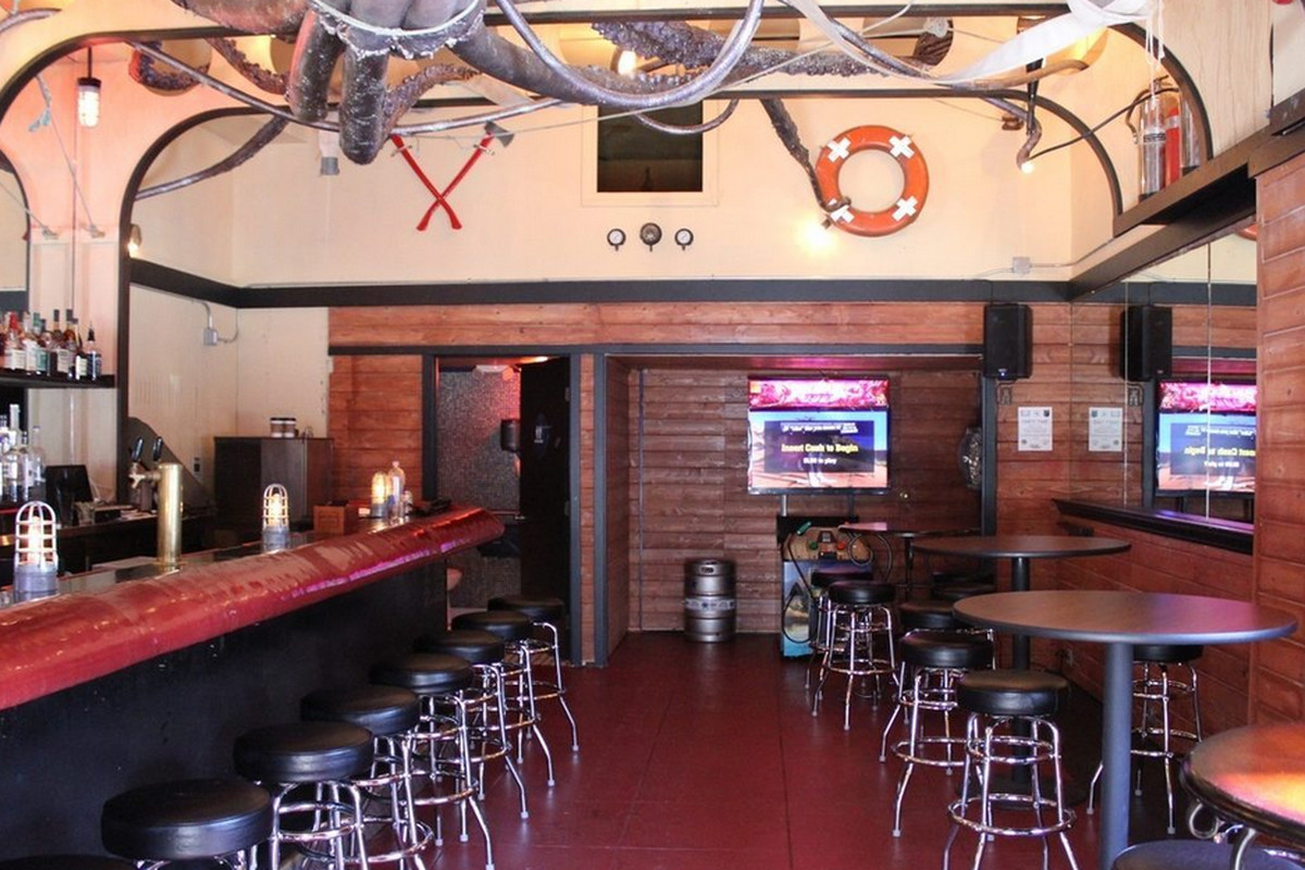 The Royal Tug Yacht Club to Shutter This Month - Eater SF