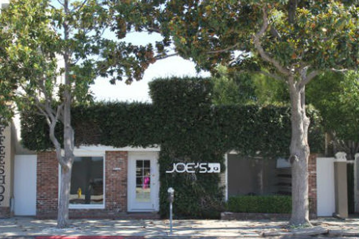 """Image via <a href=""""http://theboutique411.com/the-signage-is-officially-up-joes-jeans-on-melrose-place-and-dash-on-melrose/"""">Boutique 411</a>"""
