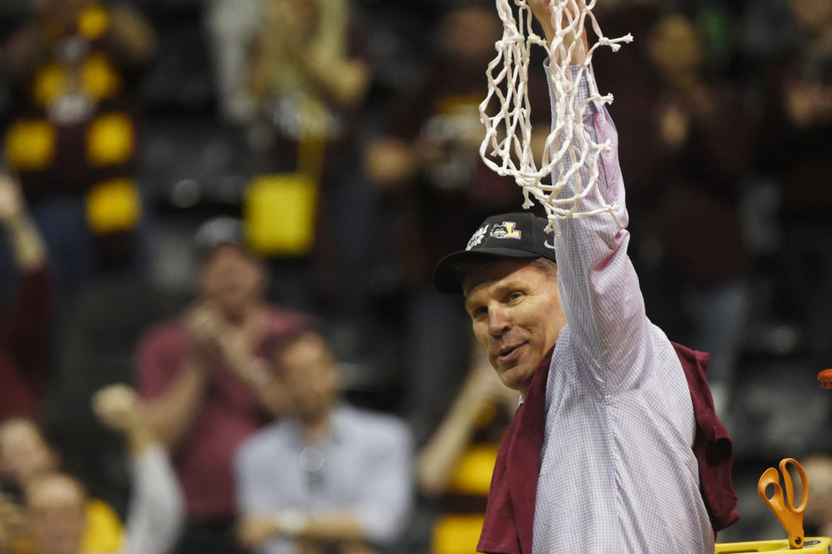 Ap College Basketball Rankings 2018 Loyola Doesn T Make The