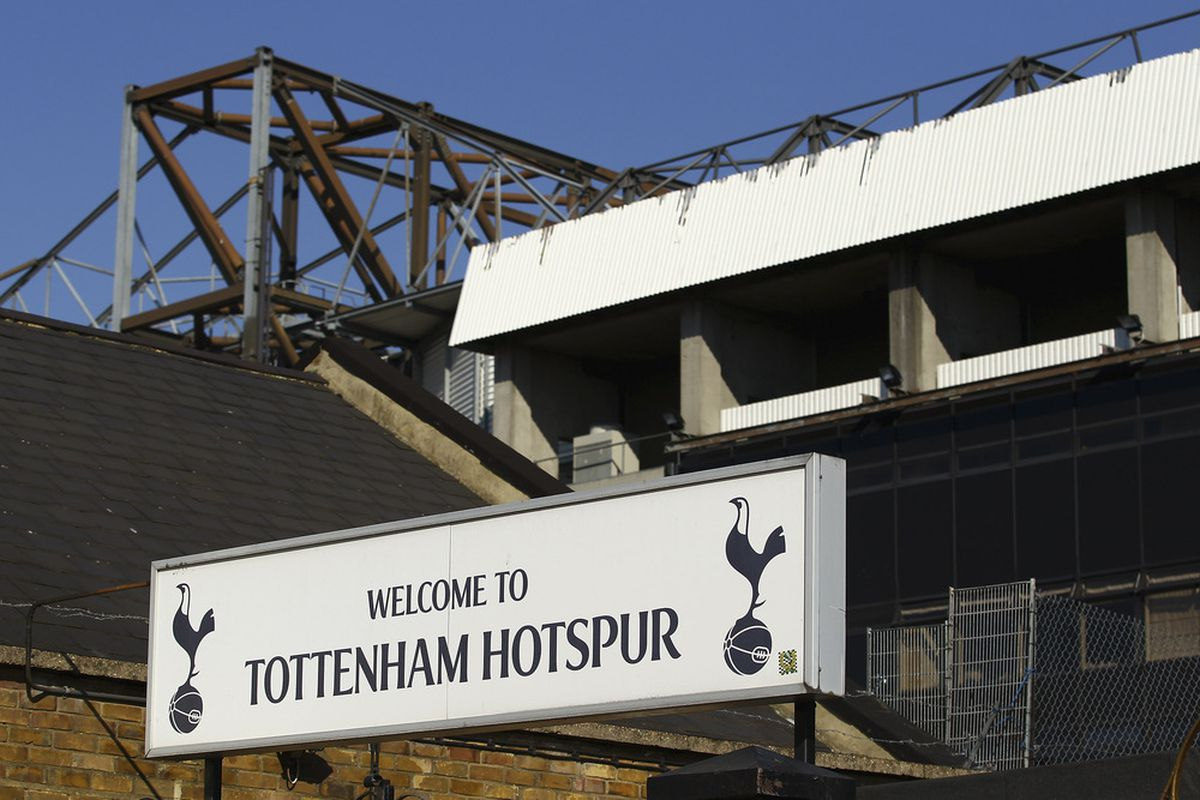 LONDON, ENGLAND - OCTOBER 02:  A general view of the stadium ahead of the Barclays Premier League match between Tottenham Hotspur and Arsenal at White Hart Lane on October 2, 2011 in London, England.  (Photo by Julian Finney/Getty Images)
