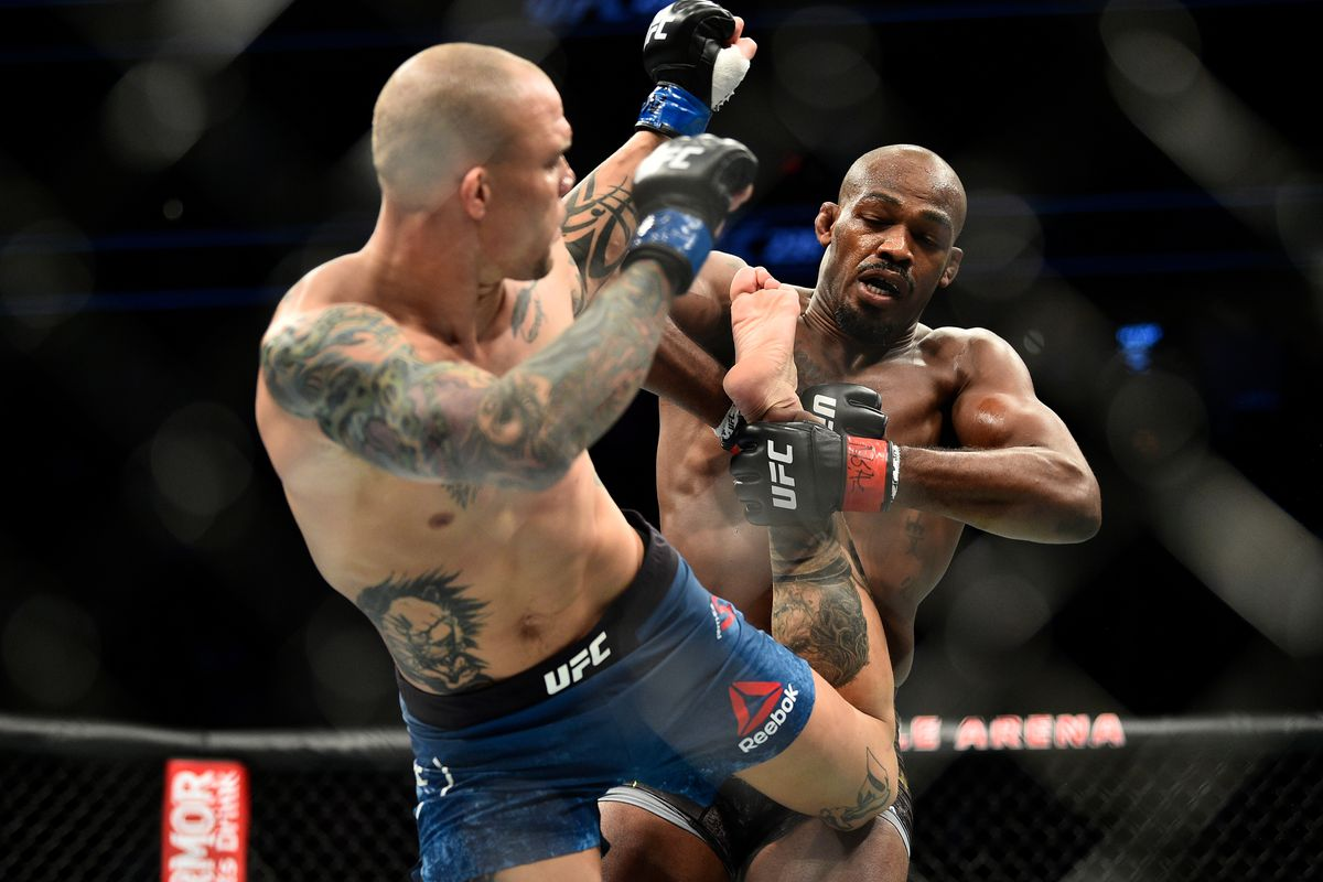 UFC 235: Jones v Smith