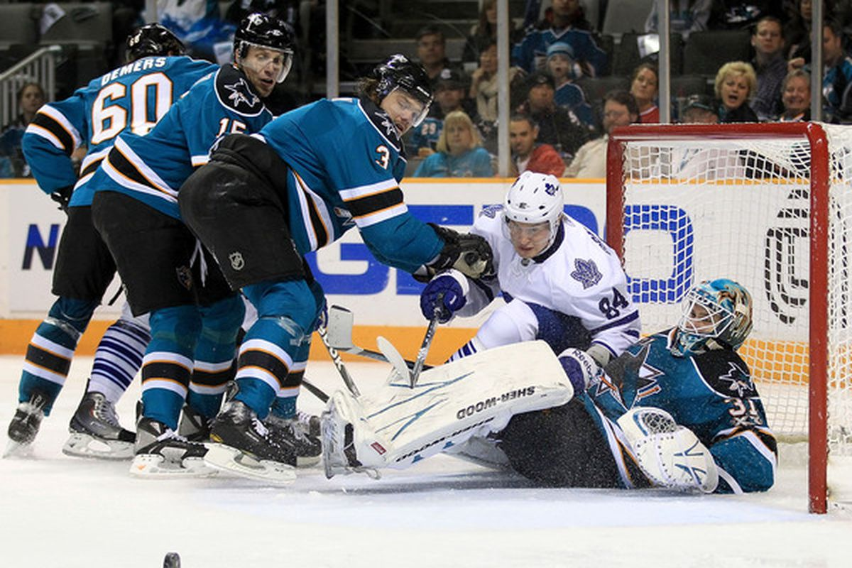 See the puck. Get the puck. Score the puck.  (Photo by Ezra Shaw/Getty Images)