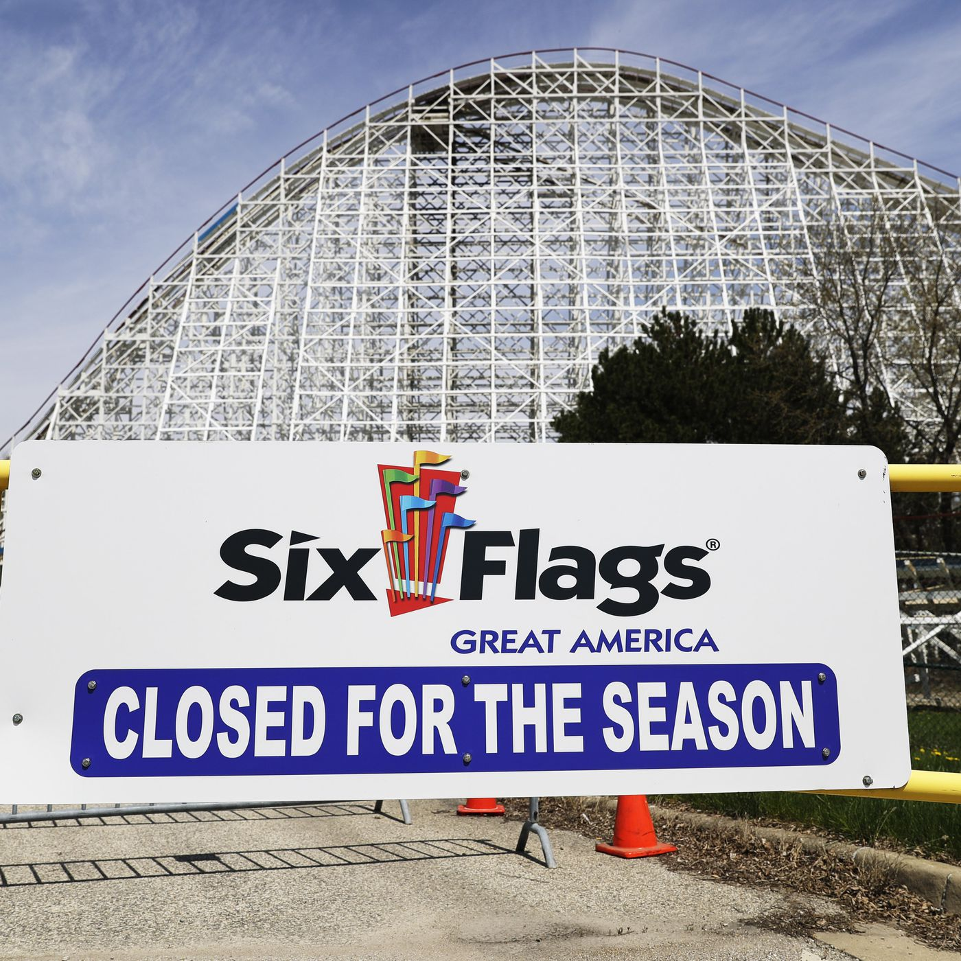 Six Flags Ceo Hopes To Reopen Theme Parks In Mid May Blooloop