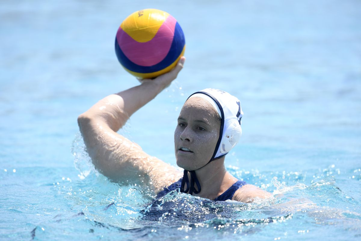 lys Williams of the United States looks to pass during a 17-5 win over Canada in an exhibition match at the Los Alamitos Joint Forces Training Base pool on May 19, 2021 in Los Alamitos, California.