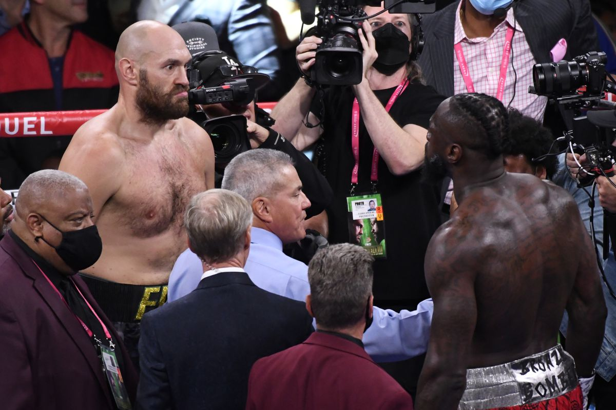 Deontay Wilder and Tyson Fury face off ahead of their October 9th PPV bout.