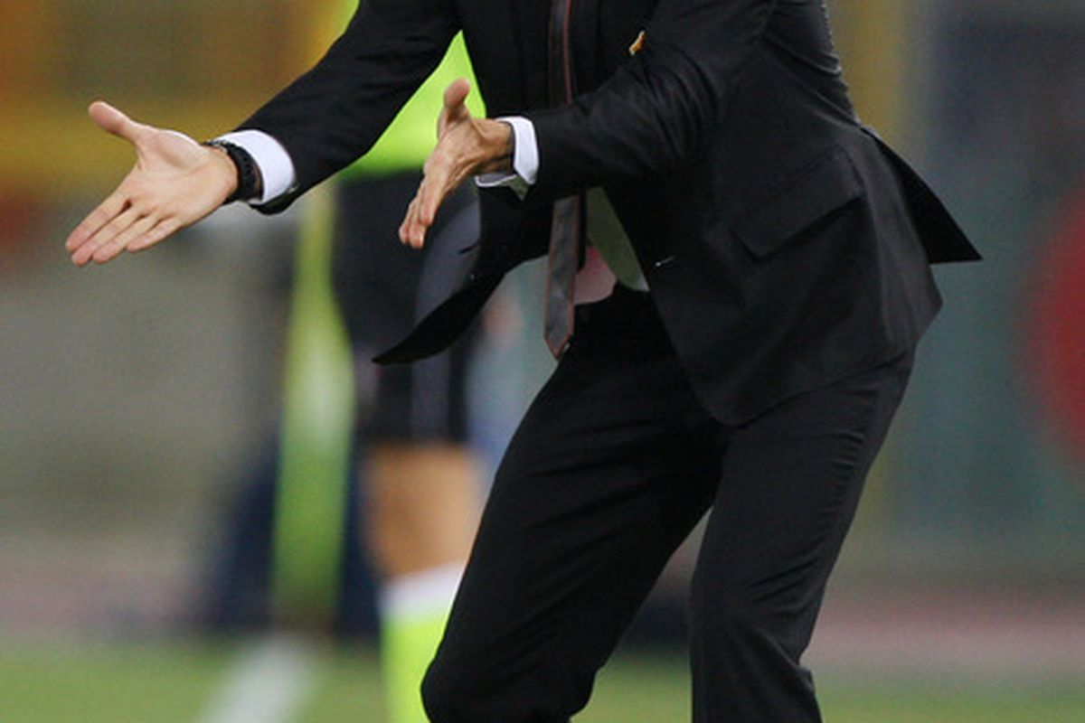 ROME, ITALY - SEPTEMBER 22: Luis Enrique the coach of AS Roma gestures during the Serie A match between AS Roma and AC Siena at Stadio Olimpico on September 22, 2011 in Rome, Italy.  (Photo by Paolo Bruno/Getty Images)