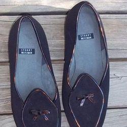 """<a href=""""http://www.threadflip.com/items/5453""""> Stuart Weitzman cigar room loafer, $42.00</a>"""