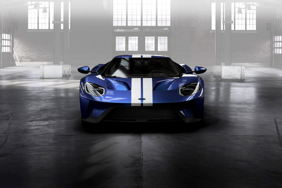 Earlier This Year Ford Unveiled Its Newest Gt A Carbon Fiber And Aluminum Supercar With A Twin Turbo V Engine And A Mob Of Admirers
