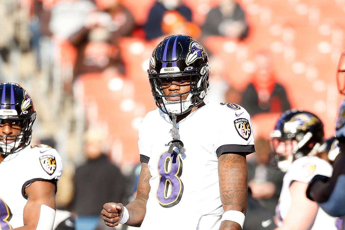 Lamar Jackson of the Baltimore Ravens warms up prior to the start of the game against the Cleveland Browns at FirstEnergy Stadium on December 22, 2019 in Cleveland, Ohio.