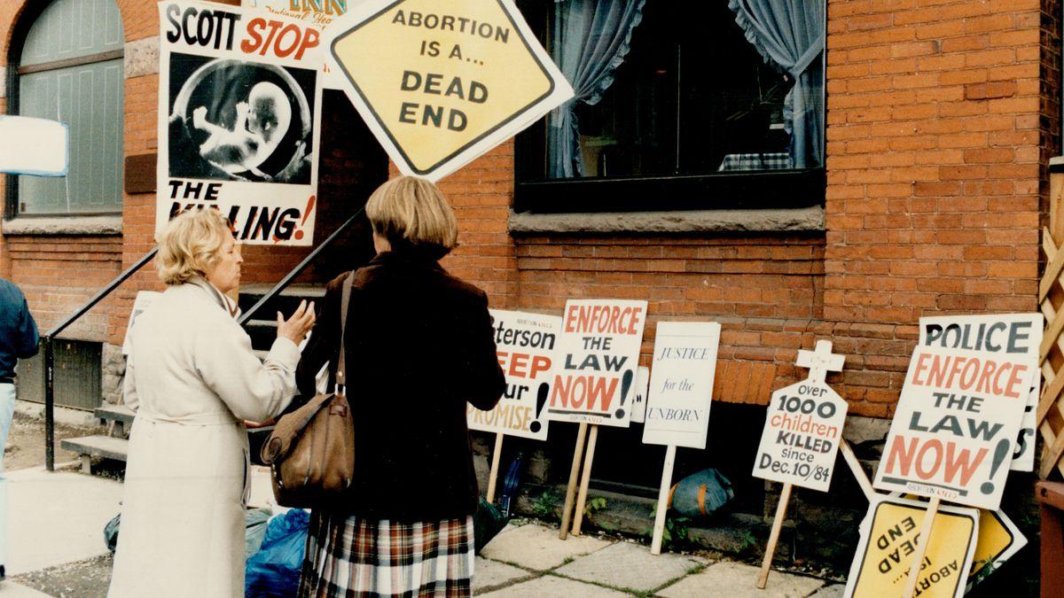 Abortion protestors in Ontario.