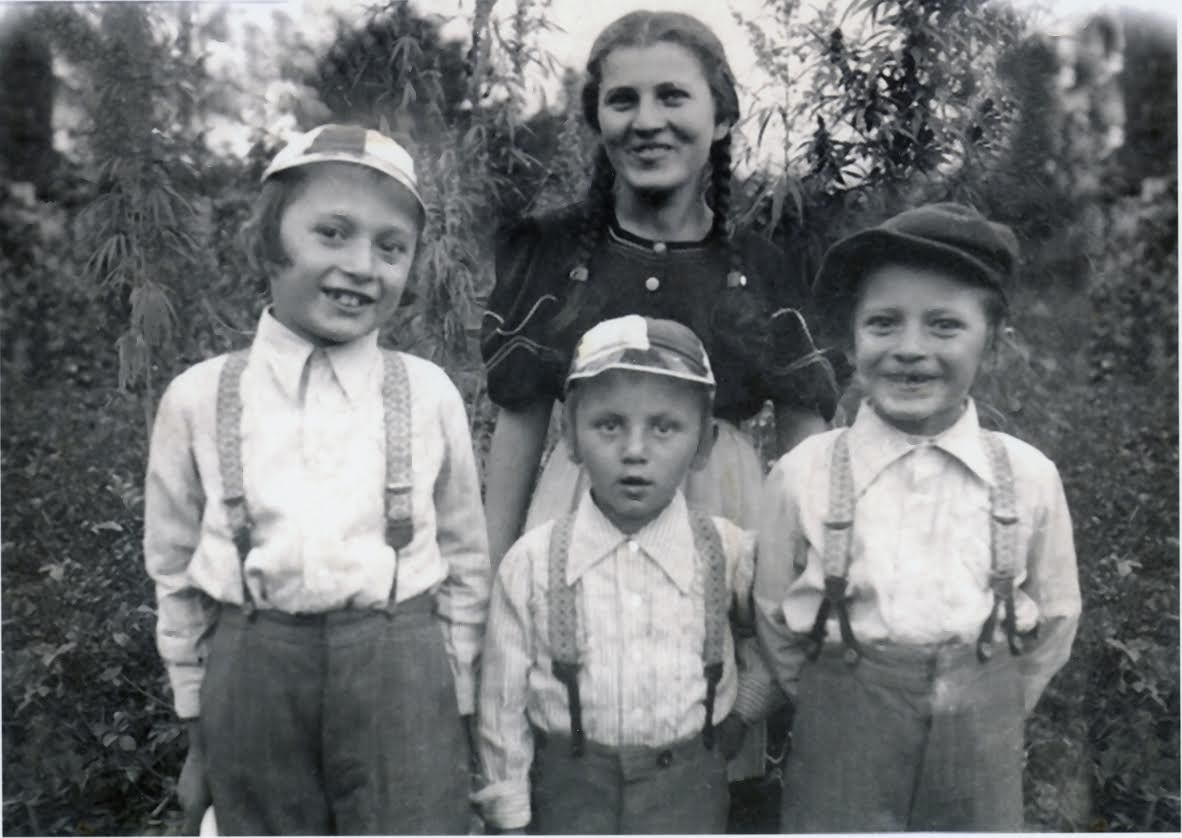 Margit Weisz and her three younger brothers in 1940. Four years later, the boys perished at Auschwitz: Isser Meir, 14, Yitzchak Isaac, 12, and Dov Beirish, 10. | Provided photo