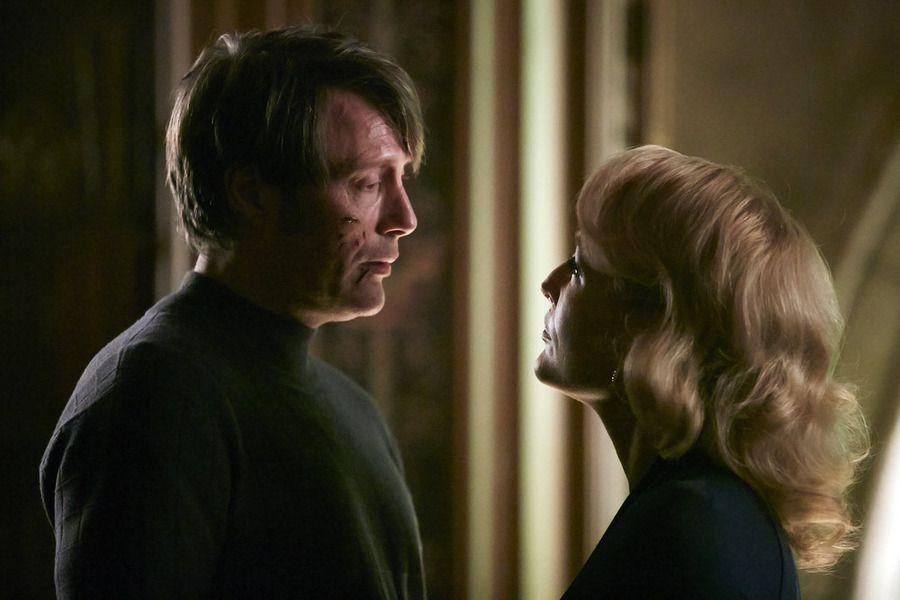 Hannibal kidnaps Bedelia.