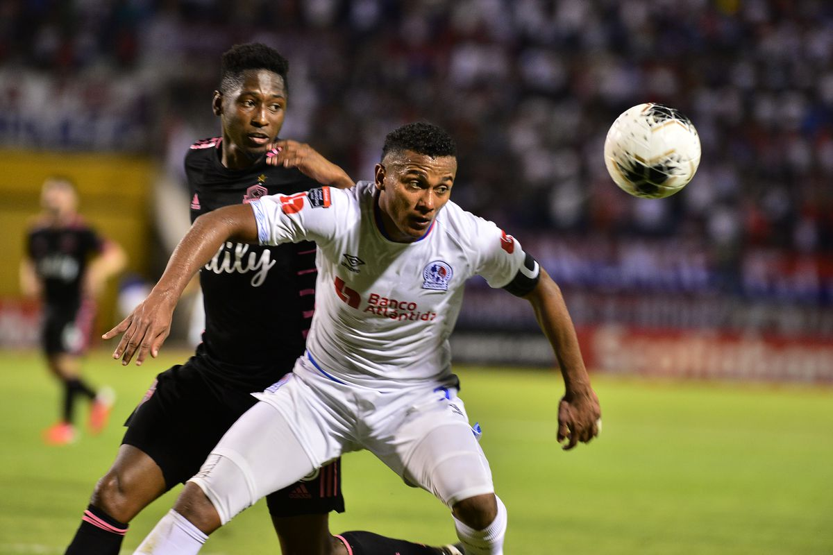 FBL-CONCACAF-OLIMPIA-SOUNDERS
