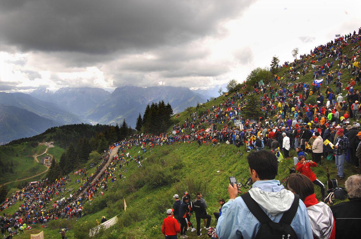 Cycling: 90E Giro D'Italia / Stage 17