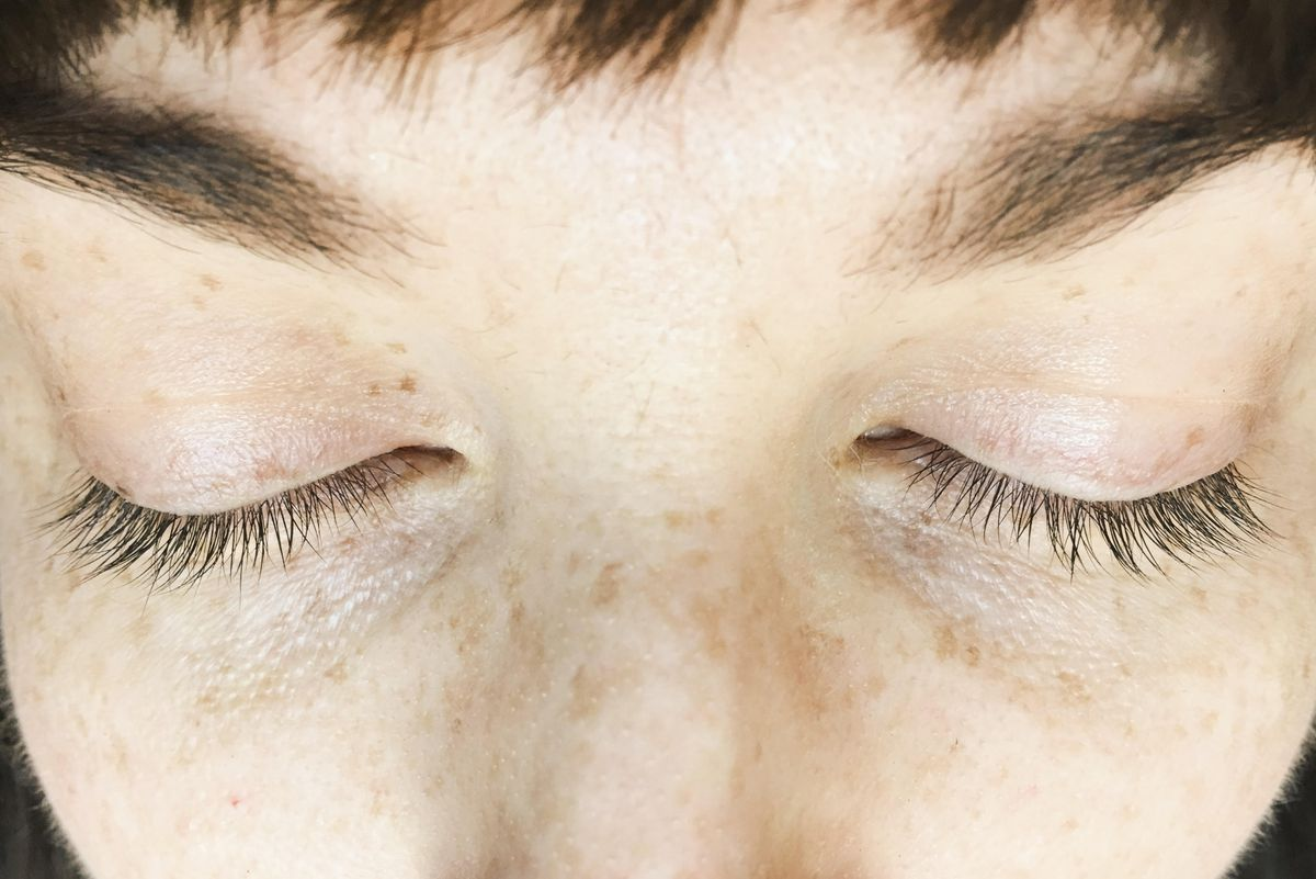 lash-extensions-before