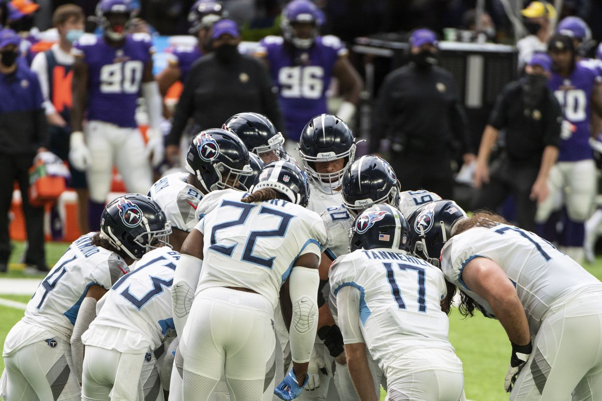Tennessee Titans players huddle in the second quarter of the game against the Minnesota Vikings at U.S. Bank Stadium on September 27, 2020 in Minneapolis, Minnesota.