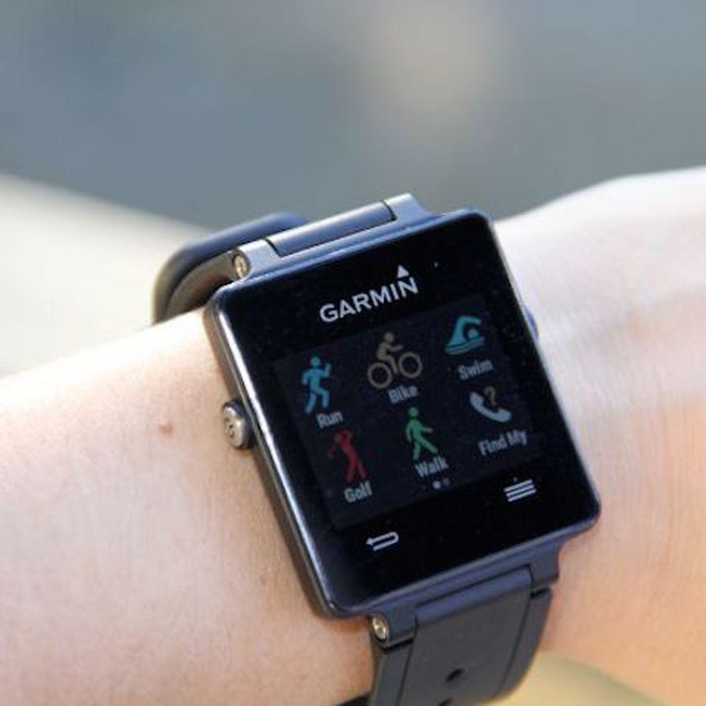 Garmin's Vivoactive Is a Hybrid Sports Watch and Smartwatch