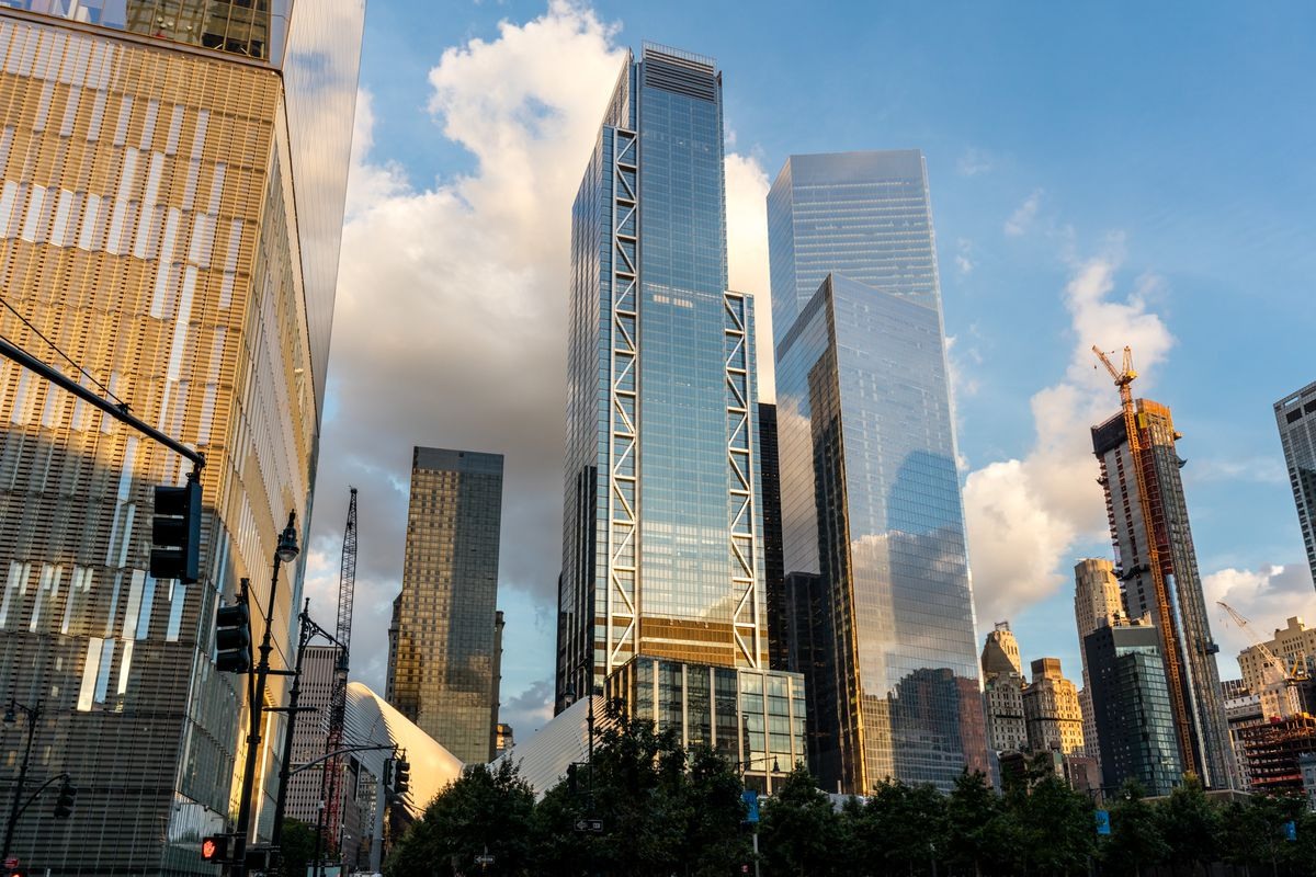 What Is The Biggest Building In New York City