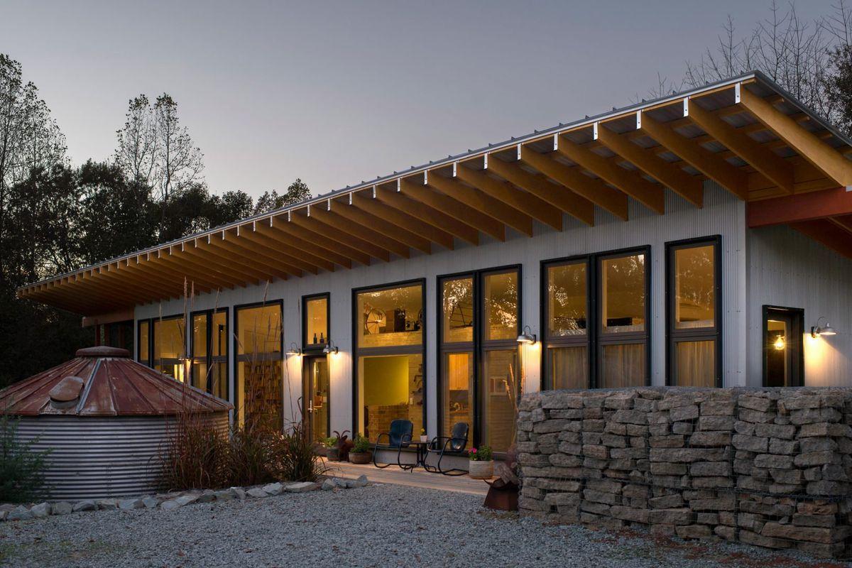 Solar-powered modern farmhouse